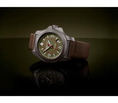 Victorinox Swiss Army 241779 I.N.O.X. Titanyum Saat - Thumbnail